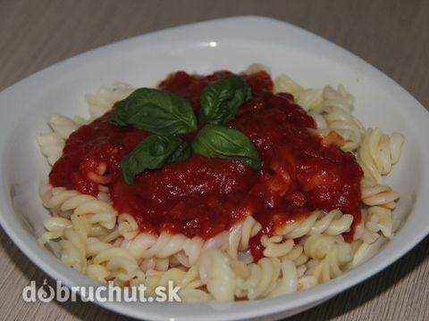 Cestoviny s paradajkovo cuketovou omáčkou