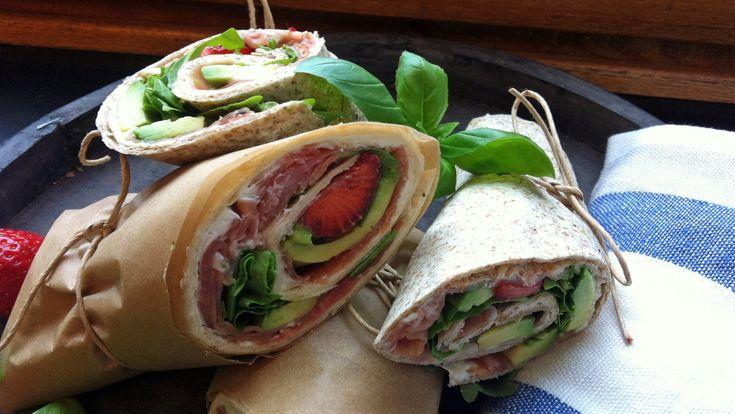 Wrap med avocado, spekeskinke og jordbær