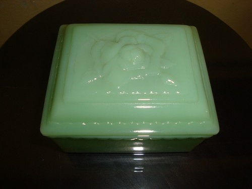 VINTAGE Jadeite Rose Trinket Box w/Raised Rose Detailed Lid