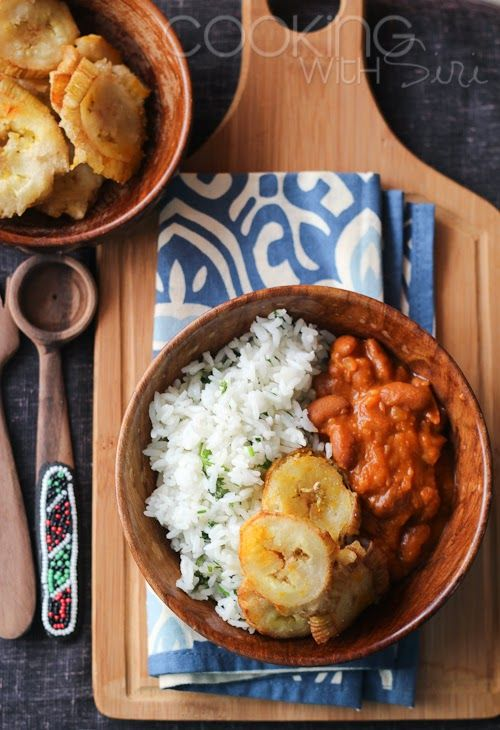 Garlic Tostones | Puerto Rican Twice Fried Plantains With Rice and Beans. Get the #recipe here --> http://www.cookingwithsiri.com/2014/09/veganmofo-2014-garlic-tostones-puerto.html #vegan #veganmofo