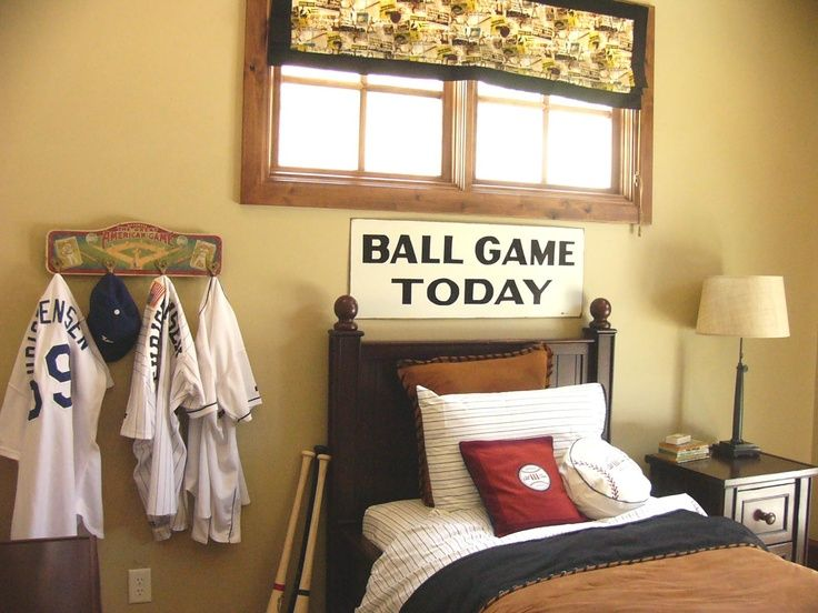 So cute for a little boys room ....... and maybe I can find a use for all of Scotts old baseballs