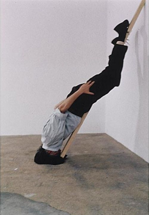 Erwin Wurm - One Minute Sculptures (1997)