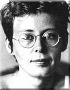 ANA CRISTINA CESAR  poeta, tradutora e ensaísta  Nasceu: 02 de Junho de 1952, no Rio de Janeiro - RJ  Suicidou-se no dia 29 de Outubro de 1983