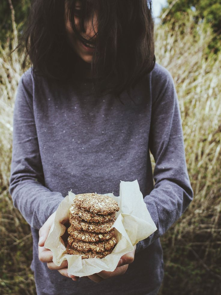 Healthy cocoa and cinnamon cookies, recipe food photography styling, ninasbaking.blogg.no