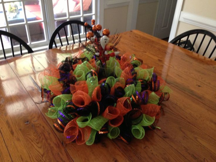 fun halloween centerpiece with lights would look great on your table - Halloween Centerpieces