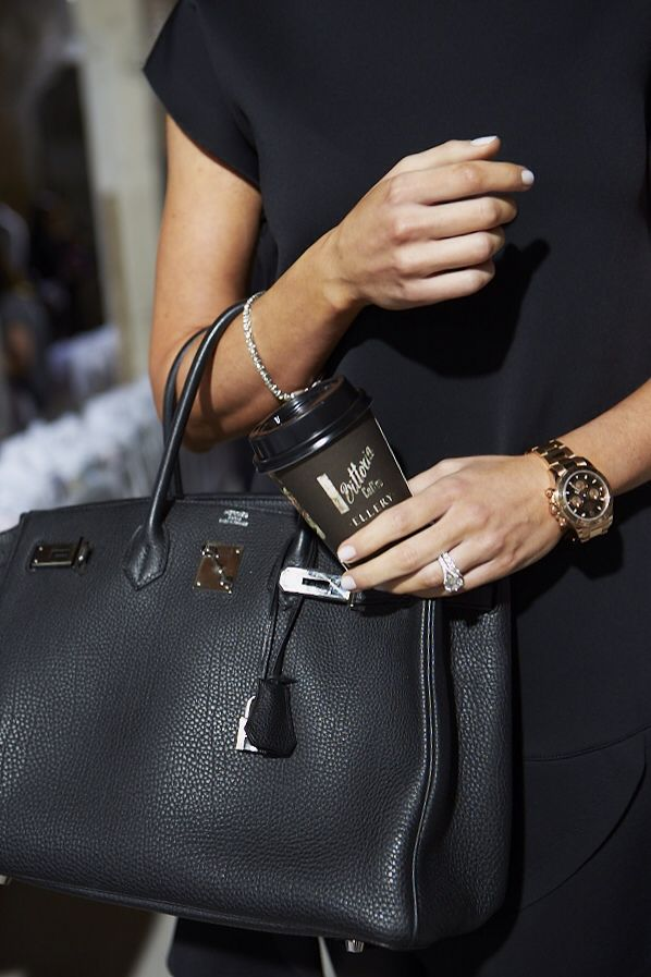 This look is outrageously elegant. I do love this black Hermes Birkin bag. http://www.missKrizia/com