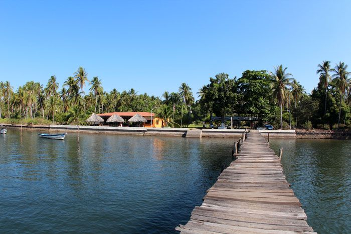 Hotel in bay of jiquilisco - Bahia Sport - Puerto El Triunfo - El Salvador Hotels and Travel, holidays, tour operator company, travel networ...