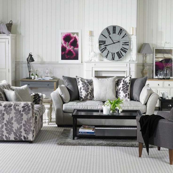 I Like The Grey And White With The Purple Accents If Only I Could Keep It Clean Living Room