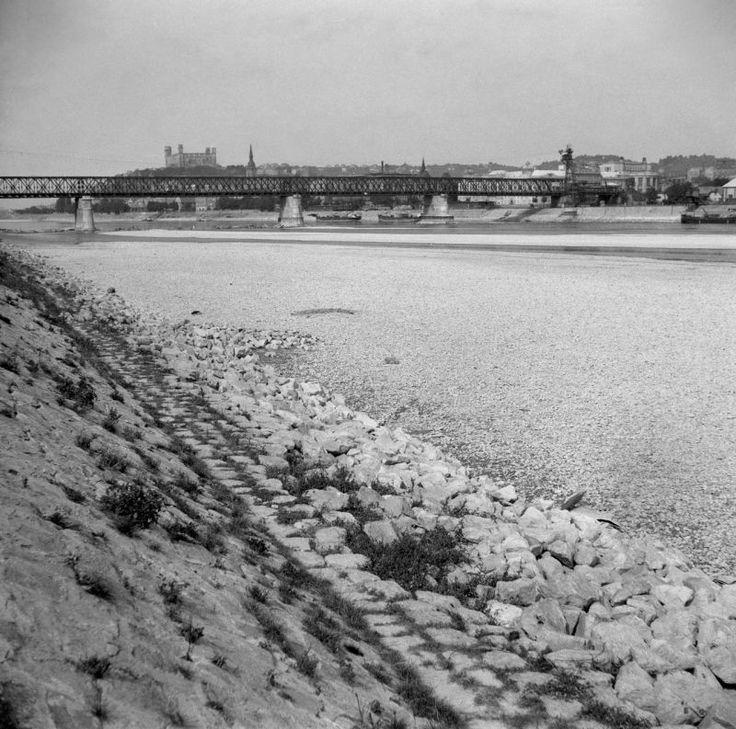 Dunaj počas extrémneho sucha v septembri 1947