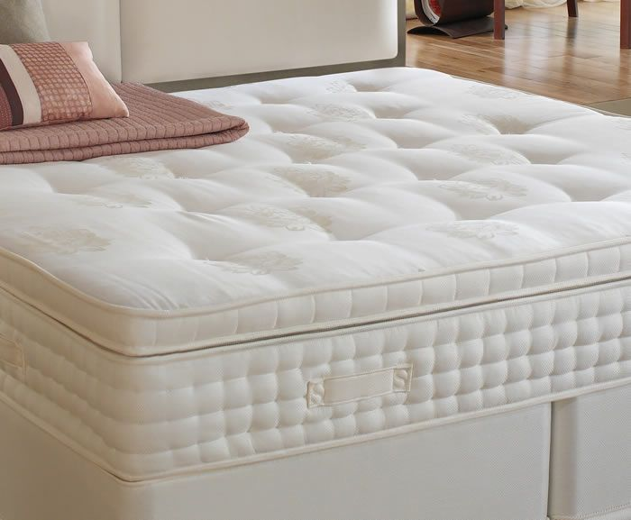 Slumberland Beds Gold Seal Supreme 3ft Single Mattress GOLD SEAL SUPREME MATTRESS2400 SERIESGold Seal Supreme has the ultimate luxury feel of a hand-tufted pillow top mattress with 2400 Series Double Posture Springing providing up to seven times more spri http://www.comparestoreprices.co.uk/bed-mattresses/slumberland-beds-gold-seal-supreme-3ft-single-mattress.asp