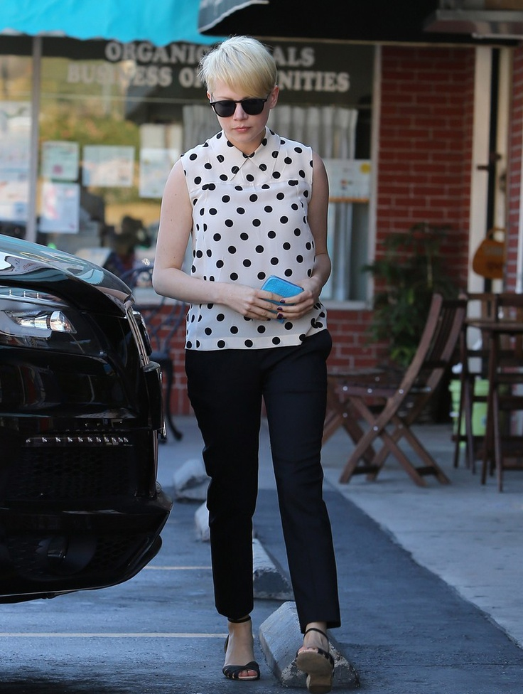 Michelle Williams is making me want to break out my capris.Beautiful Inspiration, Fashion, Polka Dots, Dreams Clothing, Williams Polka, Style Inspiration, Michelle Williams, Wear, Hair