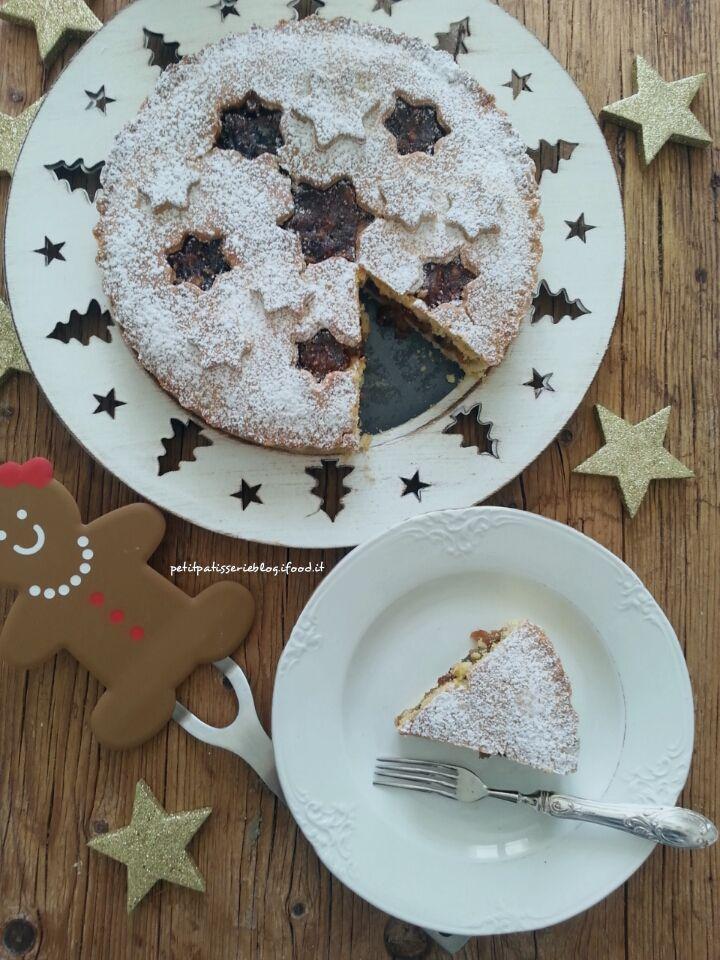 Questa è davvero la Torta di Natale. Il profumo, gli ingredienti, la forma, tutto ricorda il più magico periodo dell'anno.