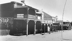 Mann St,Gosford in the Central Coast of New South Wales in 1911.