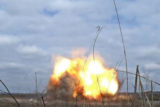 В штабе АТО сообщили хорошие новости: Под Ясиноватой взорвался склад боеприпасов, среди боевиков много жертв http://proua.com.ua/?p=56660