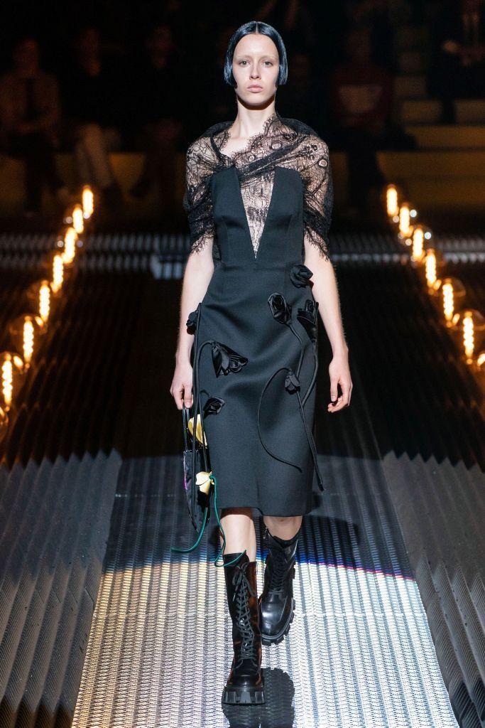 Outfit Botas Militares Plataforma Mujer Looks Dr Martens Listo Para Usar Desfile De Moda Moda