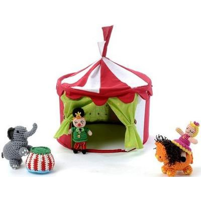 Circus tent with crocheted figures by Smallstuff ~ Banditten
