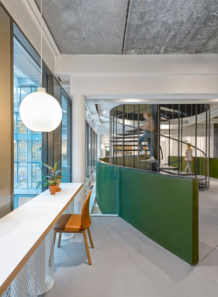 Office Tour: Uber EMEA Headquarters – Amsterdam | STAIRCASE