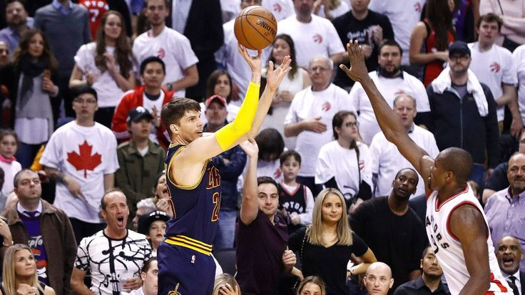 Kyle Korver shines off bench for Cavaliers