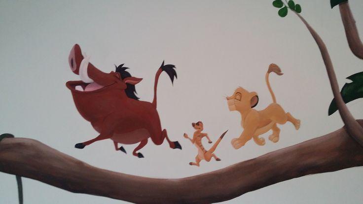 Disney muurschildering met Timon, Pumba en Simba.  www.adeliodeco.nl