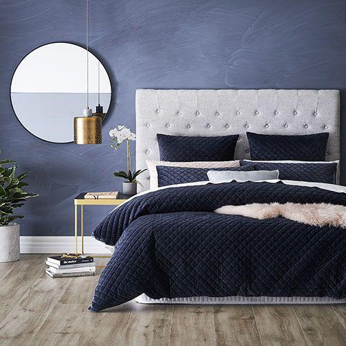 Best 25 Blue bedroom decor ideas on Pinterest Blue bedroom
