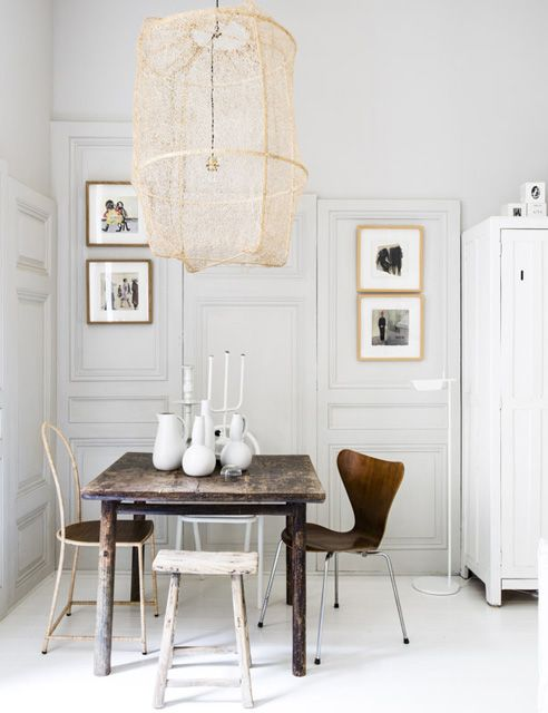Nude lamp in the dining room