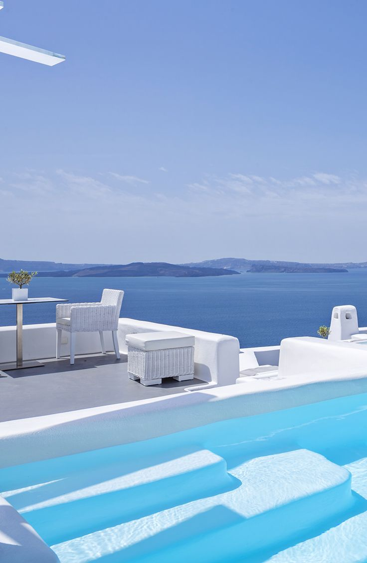 Gracefully exclusive and captivating Canaves Oia Hotel & Suites in Santorini