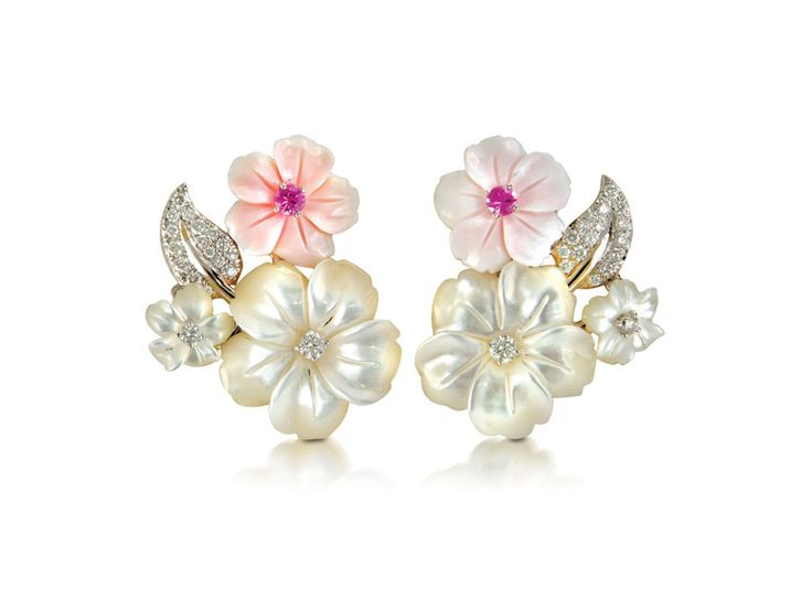 Padani flower earrings with white and pink mother-of-pearl flowers adorned with diamonds.