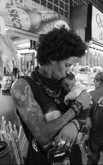 Awwww LOVE , Larry les twins
