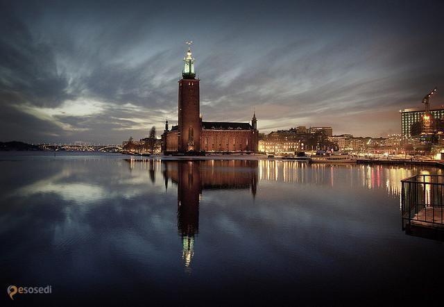 Стокгольмская ратуша – #Швеция #Лен_Стокгольм #Стокгольм (#SE_AB) Стокгольмская ратуша - место, куда жаждут попасть не только туристы, ведь именно в ее залах ежегодно проходит банкет после вручения Нобелевских премий! http://ru.esosedi.org/SE/AB/1000119846/stokgolmskaya_ratusha/