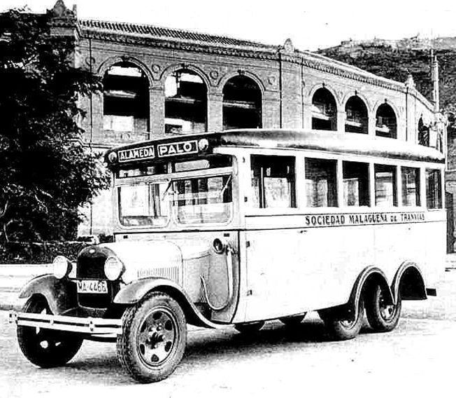 """Autobús de línea Alameda - Barrio """"El Palo"""" Málaga, Spain 1950."""