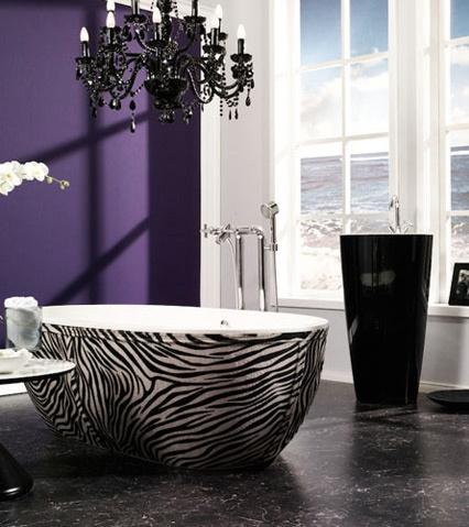 Little over the top but i likeee:): Wall Colors, Idea, Bath Tubs, Bathtubs, Zebraprint, Dreams Bathroom, Zebras Prints, Purple Wall, Accent Wall