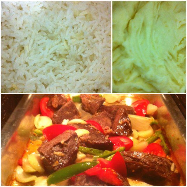 Carne assada no forno, purê de batata e arroz.