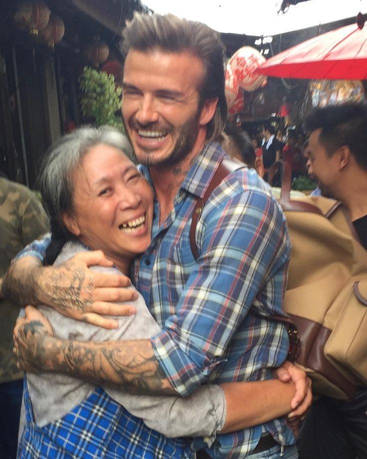 "895.8k Likes, 5,284 Comments - David Beckham (@davidbeckham) on Instagram: ""Making friends in Bangkok  ❤️"""