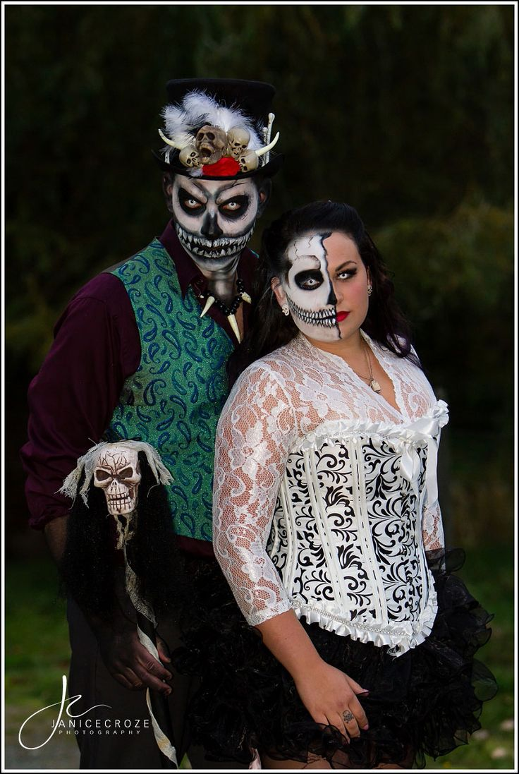 Halloween Wedding - Bride and Groom Halloween costumes with day of the dead #makeup.