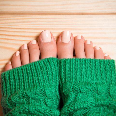 Pediküre: So macht ihr eure Füße schön!   BRIGITTE.de
