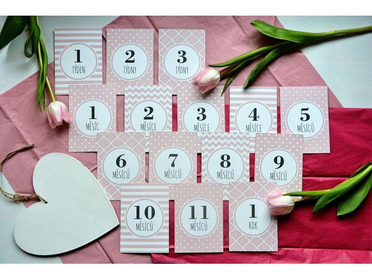 Milníkové kartičky jsou perfektní a stylovou pomůckou kzachycení nejdůležitějších momentů vašeho děťátka. Děťátko můžete skartičkami vyfotit nebo vložit do alba vedle konkrétní fotografie. Kartičky obsahují kolonku do které můžete dopsat datum.