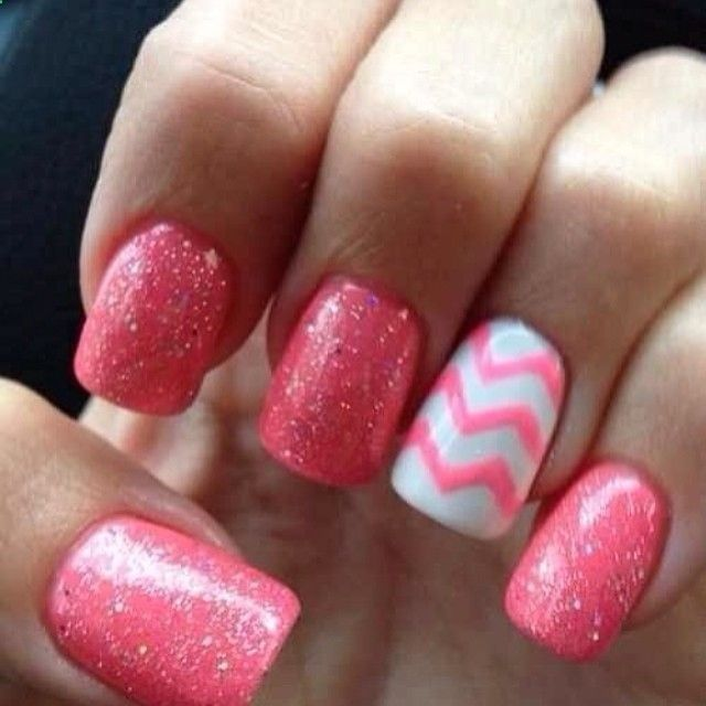 This would be cute as a pedicure, design on the big toe though...