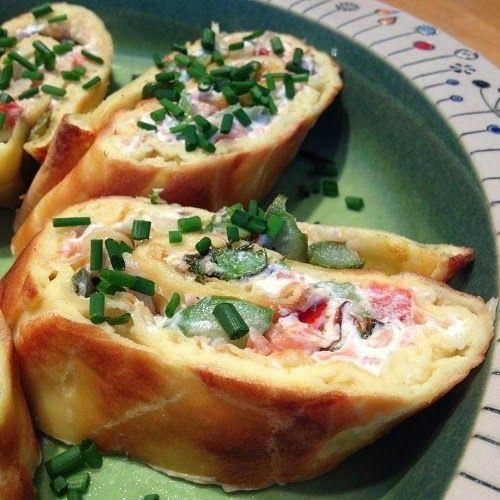 """"""" Greenway36 - Food """": gefüllte Pfannkuchenrolle aus dem Backofen mit Spargel, Lachs und Frischkäse"""