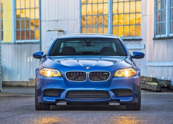 2014 BMW M5 Blue Front View 600x430 2014 BMW M5 Review and Design Detail with Images