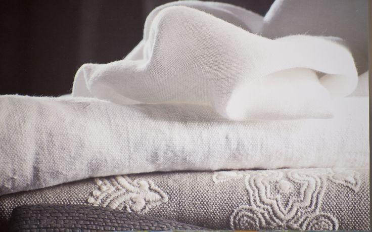 Bildresultat för soffa i linnetyg