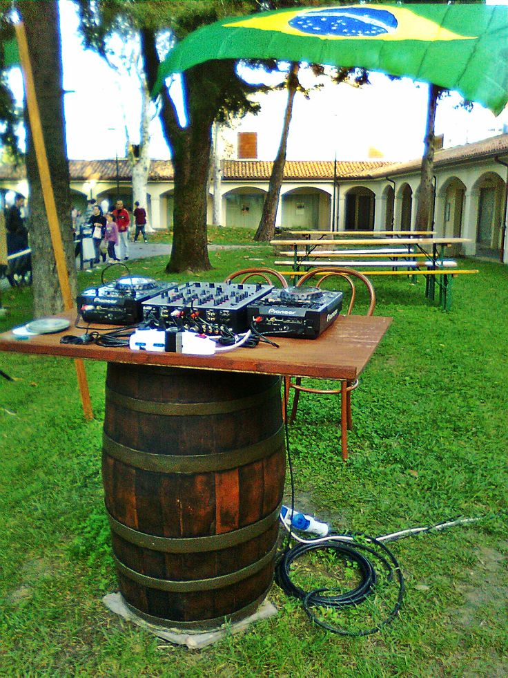 1466 - Idee per #tavoli, #sedie e #panche da arredamento #pub, #bar, #ristoranti e giardino - Briganti srl