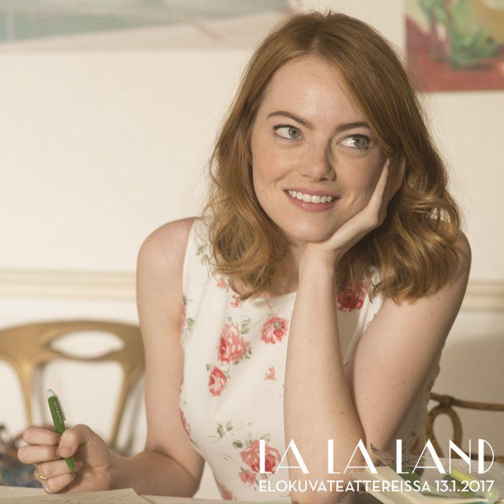 Emma Stone sai Oscar-ehdokkuuden parhaan naispääosan kategoriassa Mian roolista! Mia on aloitteleva näyttelijä, joka ponnistelee unelmansa eteen kaupungissa, joka tunnetusti tuhoaa toiveet ja särkee sydämet.  LA LA LAND elokuvateattereissa nyt. @nordiskfilmfinland
