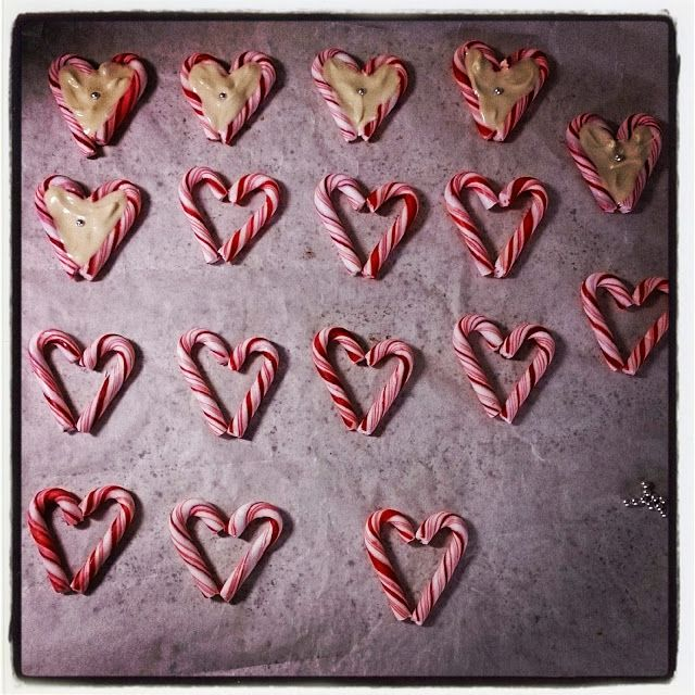 Pulverhexen's DIY: White chocolate & peppermint cane hearts <3
