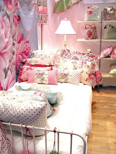 383 best images about dreamy bedrooms on pinterest - Habitaciones shabby chic ...