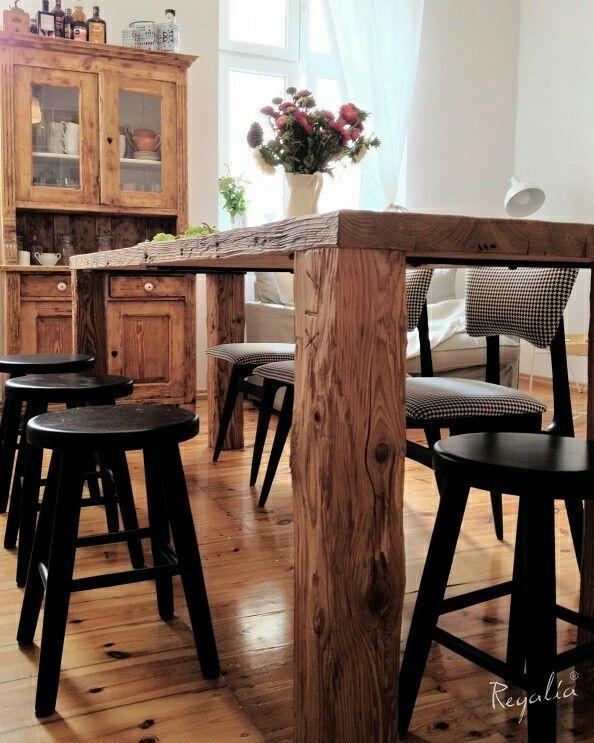 Projekt powstał wspólnie z projektantką z Warszawy p. Weronika Libiszowska, a stół  trafił do Poznania :) #regaliapolskamanufaktura #stol #stoldrewniany #drewnianystol #drewno #blat #kuchnia #staredrewno  #kitchen #wood #wooden #table #woodworking #woodworker #wooddesign #oldwood