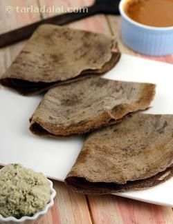 Nachni dosa is a semi-spicy dosa of ragi pepped up with green chillies, ginger and onions. It is also very wholesome. Just ensure that you serve it fresh and hot, to prevent it from becoming rubbery.