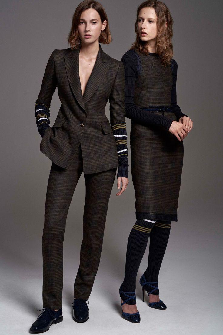 Carolina Herrera Pre-Fall 2017 Collection Photos - Vogue
