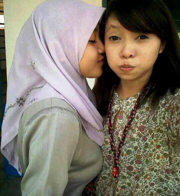 Foto Cewek Jilboobs Para Hijabers Wanita Paling Hot Seksi Syur Pamer Payudara | iniseru.com