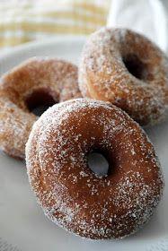 Ja den gamla visan känner nog de flesta igen :). Munkar, eller donuts eller vad en nu vill kalla dem, är ju fantastiskt goda. Min pappa gjor...