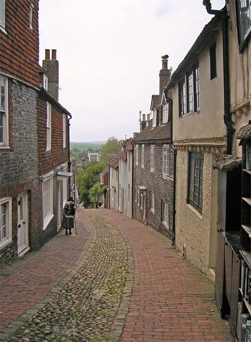 Keere Street, Lewes, Sussex. The Prince of Wales (later George IV) reputedly once drove a coach and four down the street.